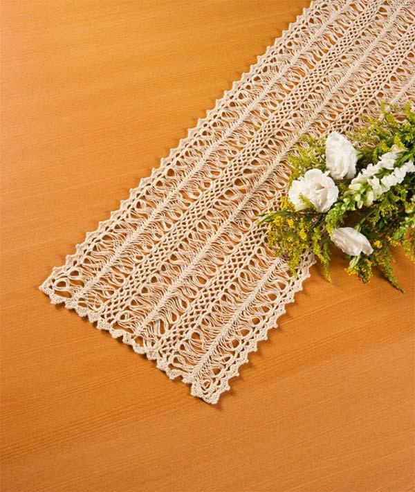 caminho-de-mesa-croche-grampo