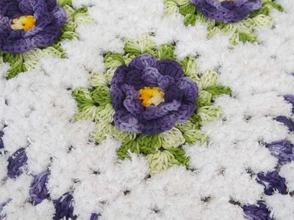 tapete-flores-branco-roxo-1