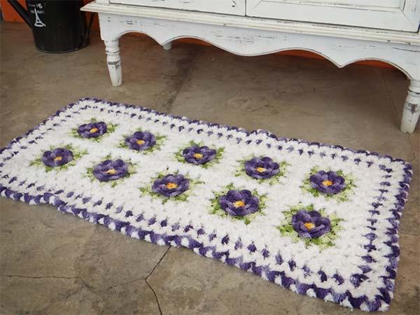 tapete-flores-branco-roxo-2