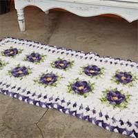 tapete-flores-branco-roxo-mini