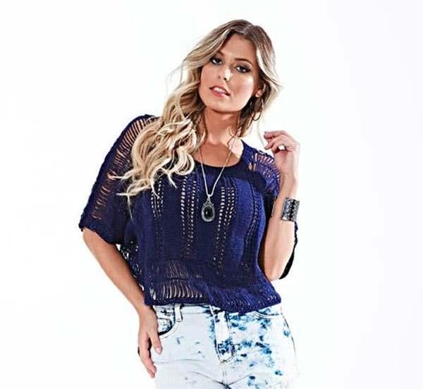 blusa-azul-croche-grampo