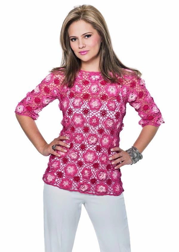 blusa-decote-canoa-rendada-com-rosetas-tons-de-rosa