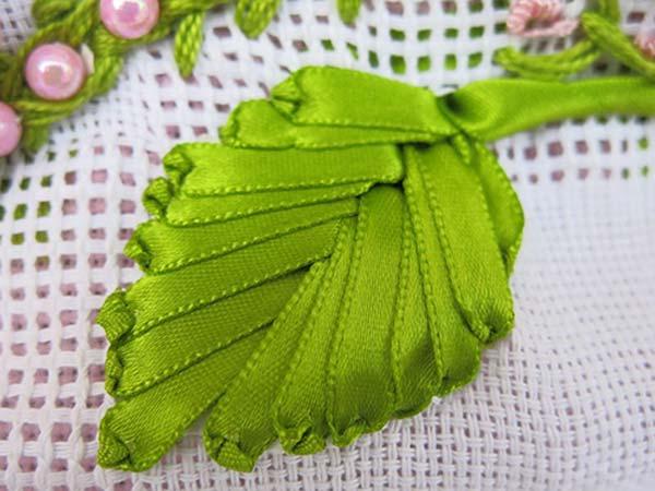 toalha-bordada-com-fitas-3