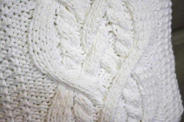 almofada-branca-trico-2