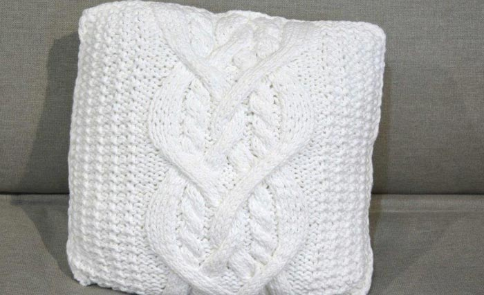 almofada-branca-trico-4
