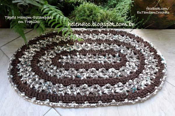 tapete-oval-marrom-estampado