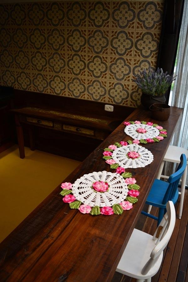 Trilho-de-Mesa-Flores-Rosas-2