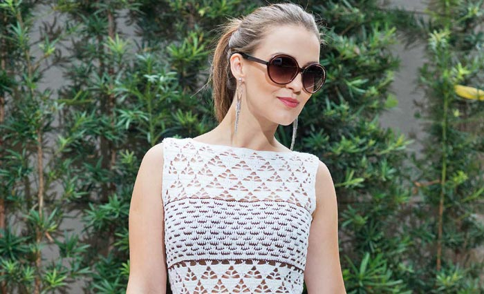 Vestido-branco-com-listras-marrom-2