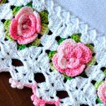 Barrado de Crochê com Mini Rosas - Linha Anne