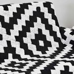 Manta de Crochê Preto e Branco Squares - Linha Camila Mais