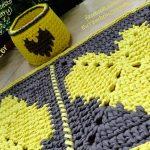 Tapete e Cesto de Crochê Corações Amarelos