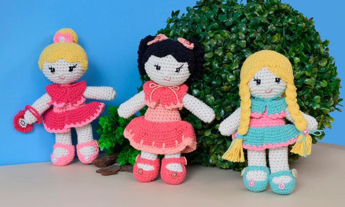 As bonecas de Amigurumi vão invadir seu ateliê • Círculo S/A   420x700