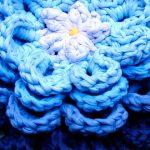 Flor em Azuis de Trapilho - Fio de Malha