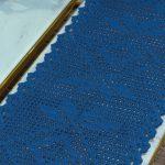 Receita Caminho de Mesa Azul Clássico com Linha Charme