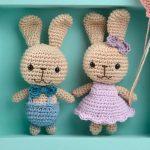 Receita Enfeite de Crochê Porta de Maternidade Coelhos com Fio Amigurumi